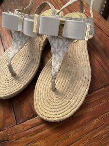 Michael Kors Meg Thong Vanilla Mk Logo Sandals Size 9 M