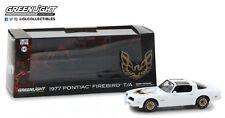 GreenLight 1/43 1977 Pontiac Firebird Trans Am - Cameo White 86331