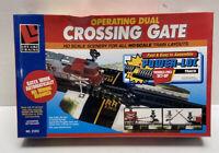 Life like train Crossing Gate Operating Dual HO scale #21313 New Sealed