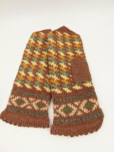 LATVIAN New HandKnit 100% Wool Mittens Womens Handmade in Latvia Med - Lrg Gift
