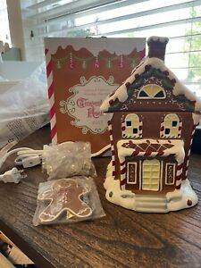 2015 Scentsy Special Edition Gingerbread House Warmer New in Box