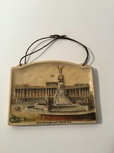 """Ivorex Miniature Plaque Buckingham Palace Wall Hanging England 3""""x4.5"""" PreOwned"""
