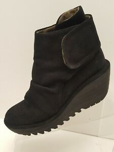 Multiple Colors MSRP $199.95 FLY London Women/'s Wezo890fly Ankle Booties