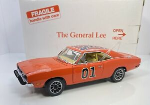 """Danbury Mint 1/24 Scale DODGE CHARGER """"THE GENERAL LEE"""" RARE RARE"""