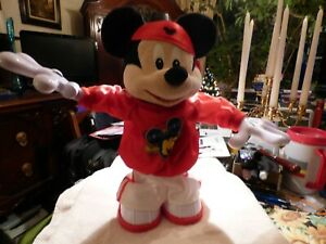 Master Moves Mickey Mouse 2011 M3 Hip Hop Break Dancing Singing Mickey Doll Toy