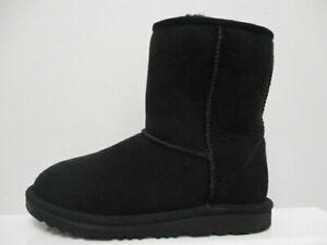 UGG Classic 2 Boots Girls  UK 2 US 3 EUR 35 REF M504*
