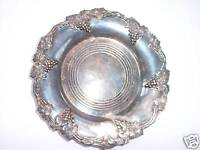 VINTAGE ANTIQUE GRAPES SILVERPLATED SERVING WINE COASTER OR CANDY TRAY