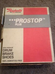 Raybestos Prostop Plus Drum Brake Shoes - 514PR Riveted Set - New Never Used