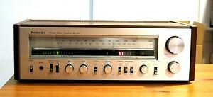 *** VINTAGE TECHNICS SA-303 STEREO RECEIVER SILVER FACE / WOOD GRAIN CASING ***