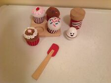 Play Wonder Cupcakes Food Spatula Egg Kitchen Pretend Toy Wood Wooden Plush