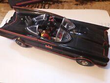 N J Croce BATMOBILE with Batman & Robin  mini figures 1:24th batman car