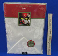 Home Wear Christmas Tablecloth & 4 Napkin Set Noel White Holly Oblong 52 x 70