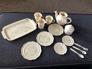 VTG Pfaltzgraff Tea Rose Chilton Toys 15 Piece Plastic Dishes Play-Set Tea Set