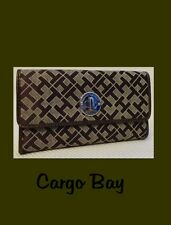Tommy Hilfiger Brown & Tan Clutch Style Logo Wallet Free Ship New Tri Fold
