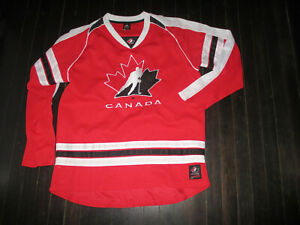 TEAM CANADA Hockey RED Jersey L
