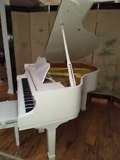 White   baby grand piano  (  Wholesale )