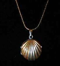 Vintage Sterling Silver 925 Two toned Shell Locket Pendant Necklace