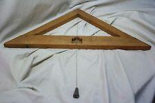 Nivel horizontal de madera. Raro. S. XVIII