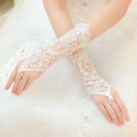 Fingerless Elegant Lace white Short Paragraph Rhinestone Bridal Wedding Gloves
