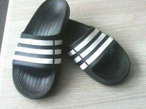 boys adidas sliders  black/white size=k 3
