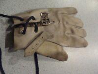 Ancien gant de Balle Pelote / Jeu de Paume - VINTAGE - Main gauche - En cuir