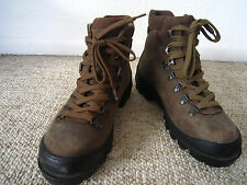 Nice !! SCARPA Women's Hiking Boots - Made in Italy - size 6