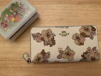 Coach Ladies Floral Bouquet Print Accordion Zip Wallet 89302 B4/HA chalk multi