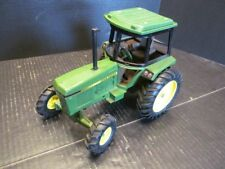 Ertl John Deere 2550 Utility Tractor Wide Front with Cab 1/16 Diecast