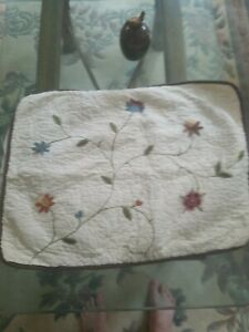 Two Pretty Cream Floral Pillow Shams Queen Size equisite  embroidery