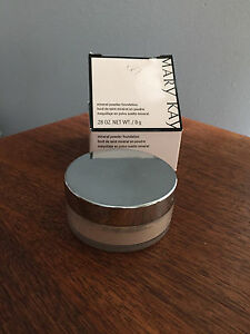 Mary Kay Mineral  Powder **Ivory 1**  040984 twist top NEW FRESH DATE CODES NOW!