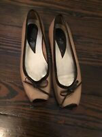 Women's VGUC Square Toed Taupe Brown Two Toned Flats With Bows 8 1/2