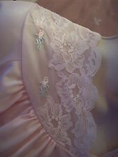 VINTAGE SHADOWLINE LINGERIE # 35 BEAUTIFUL BABY PINK ROBE WITH TONS OF LACE