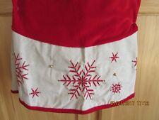 "Jaclyn Smith 48"" Christmas Tree Skirt Red w/ Beige Border & Snowflakes - Nip!"