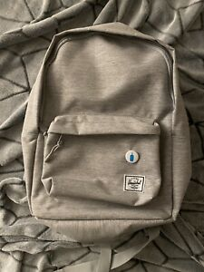 Herschel Classic Mid Volume Light Gray Hatcback Backpack
