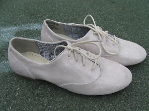 Brand new Hush Puppies* Dancer Oxford girls shoes  leather white RRP-$ 95.99