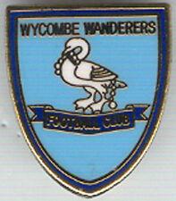 WYCOMBE WANDERERS BUCKINGHAMSHIRE ENGLAND OLD SHIELD FOOTBALL BADGE