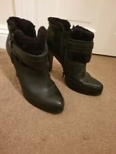 M+S Leather Ankle Platform Boots Size 8 with fur trim chunky high heel