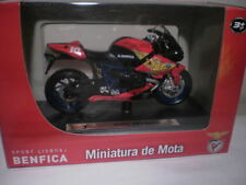 Motos et quads miniatures multicolores en plastique Maisto