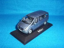 Mercedes Benz W 639 Vito Bus Luganograu 1:43 Neu OVP Minichamps