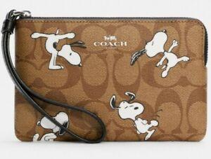 NWT Coach C4589 Corner Zip Wristlet Signature X Peanuts SNOOPY Handbag Purse Bag