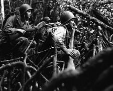 "Marines wait for the word to go after retreating Japanese 8""x 10"" WWII Photo 324"
