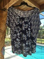 OLD NAVY Shirt size M Women's Short Sleeve Top Navy White Flowers BOHO CHIC