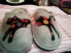 Haflinger Sassy Cat Slippers Size 40 New in Box AUTHENTIC