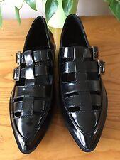 Señoras Colección Negro pulido hebilla puntiagudo trufa Zapatos UK 5 EU 38 Nuevo