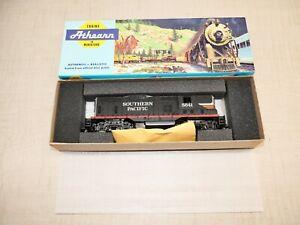 Vintage Athearn HO Southern Pacific #5641 Black Widow EMD GP9 Diesel Locomotive