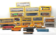 Large Vintage Lot HO Scale Train R/R Railroad Boxcars+Locomotives Life-Like+Cox
