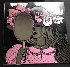 Joli miroir avec une illustration style belle époque