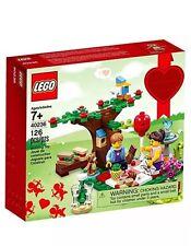 LEGO 40236 Romantic Valentine's Picnic Seasonal Set
