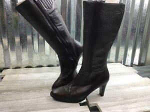 NewPort News Brown Leather Zipper Heel Women's Boots Split Toe 7.5M