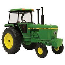 John Deere 1/32 4440 Tractor LP64441